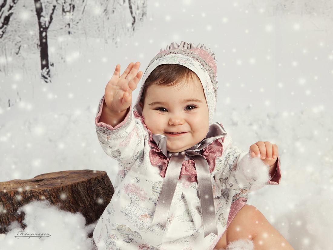 FOTOYMAGEN Carmen Regala Navidad Albol de Nieve (2)