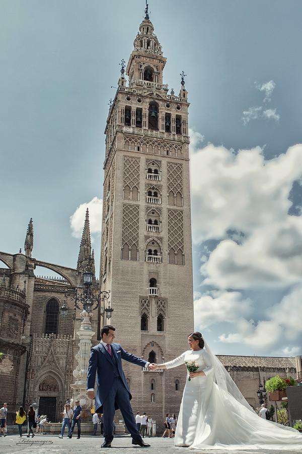 FOTOYMAGEN-Antonio-e-Inma-Sevilla-Plaza-España--Bodas--Novios