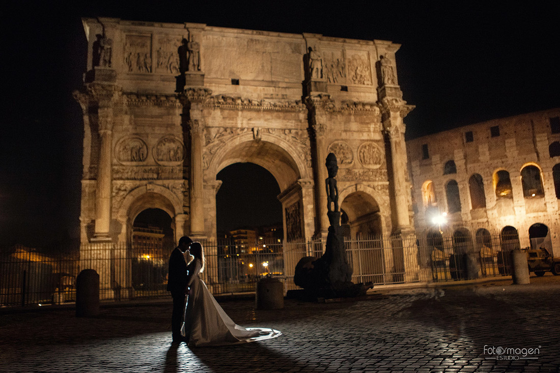 FOTOYMAGEN--Ramon-y-Maria-Postboda-Roma-Boda-Coliseo-Fontana-de-trevi-1