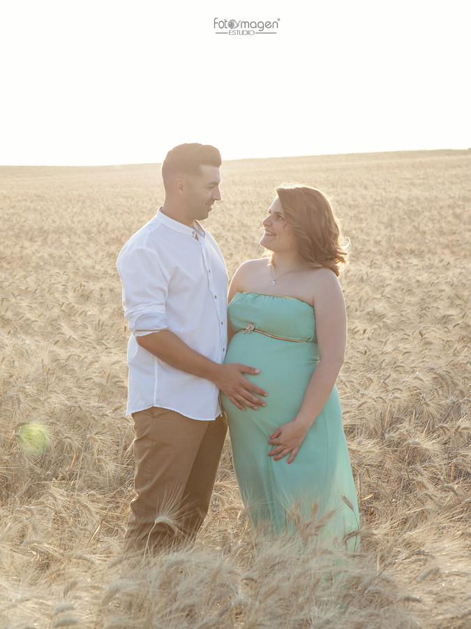 FOTOYMAGEN-Vero-y-David-Embarazada-Original-Maternity-New-Worn-Sevilla-Campiña-(1)