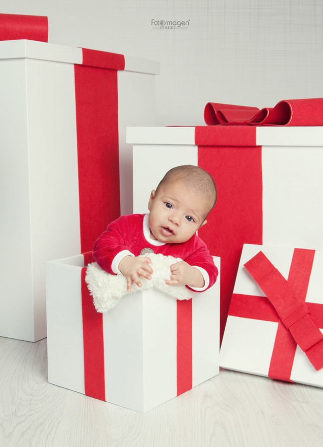 FOTOYMAGEN-Leandro-Fotos-de-Navidad-Chirtmas-Regalos-Especial-Sorpresa-Infantil