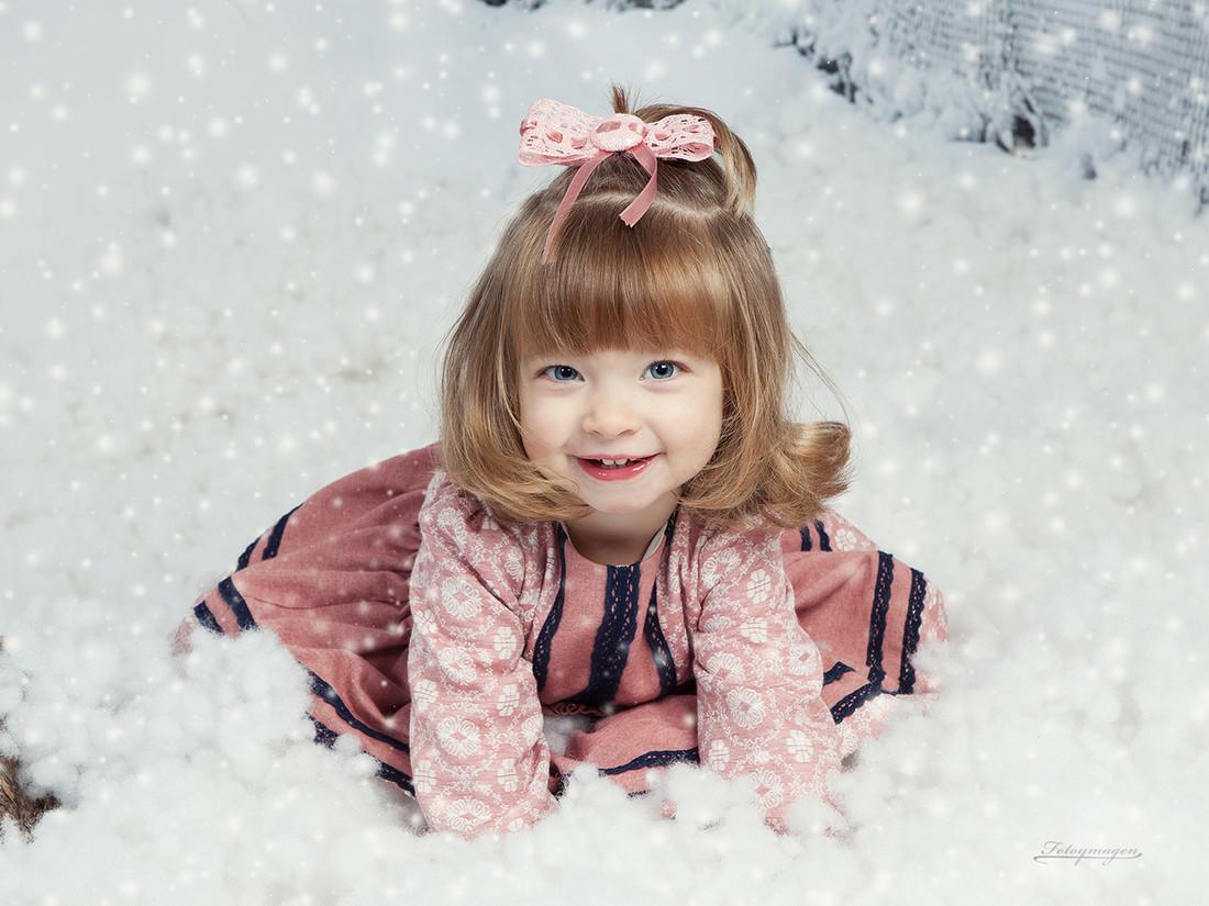 FOTOYMAGEN-Irene-Hurtado-Navidad-Fotos-de-Estudio-Fotos-Navideñas-Originales-Divertidas-Nieve-Regalos-Vintage-Copo-de-Nieve-(2)