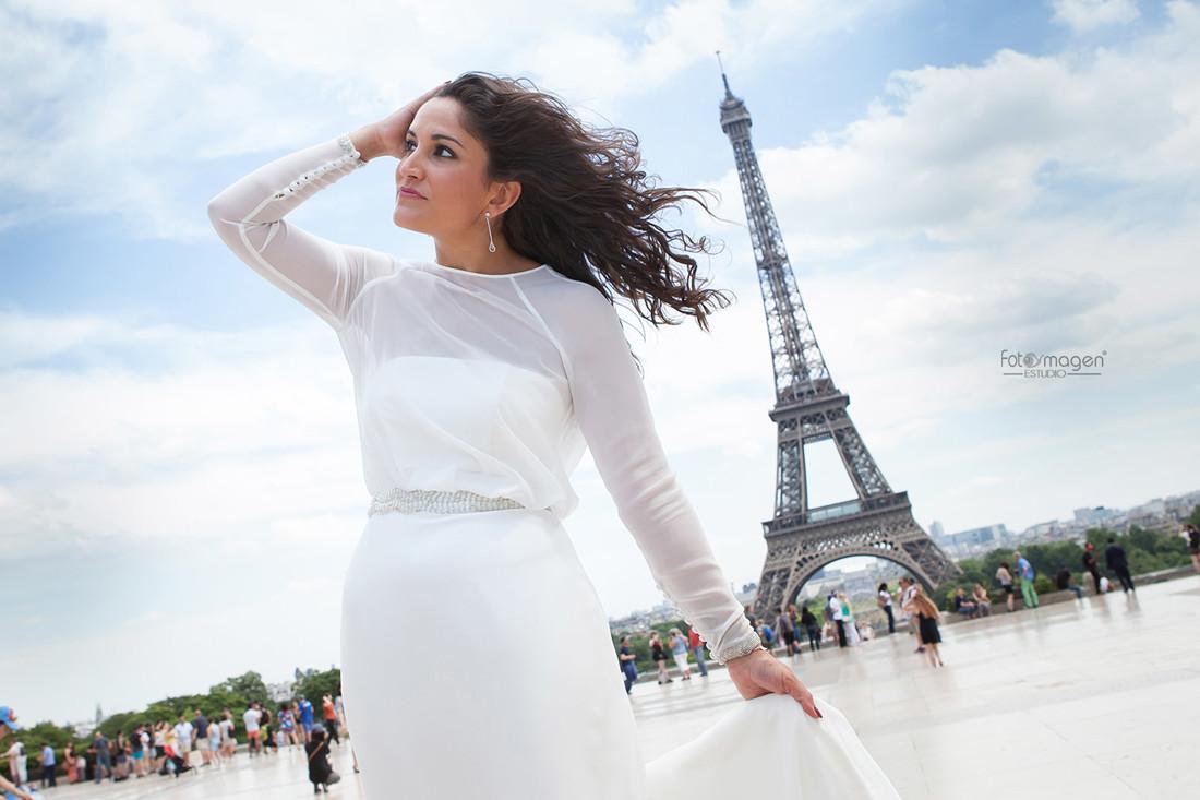FOTOYMAGEN-Boda-Migue-y-Leni-Arahal-Arache-Los-Barreros-Paris-Torre-Eiffel-Fotos-Originales-y-Diferentes-(4)