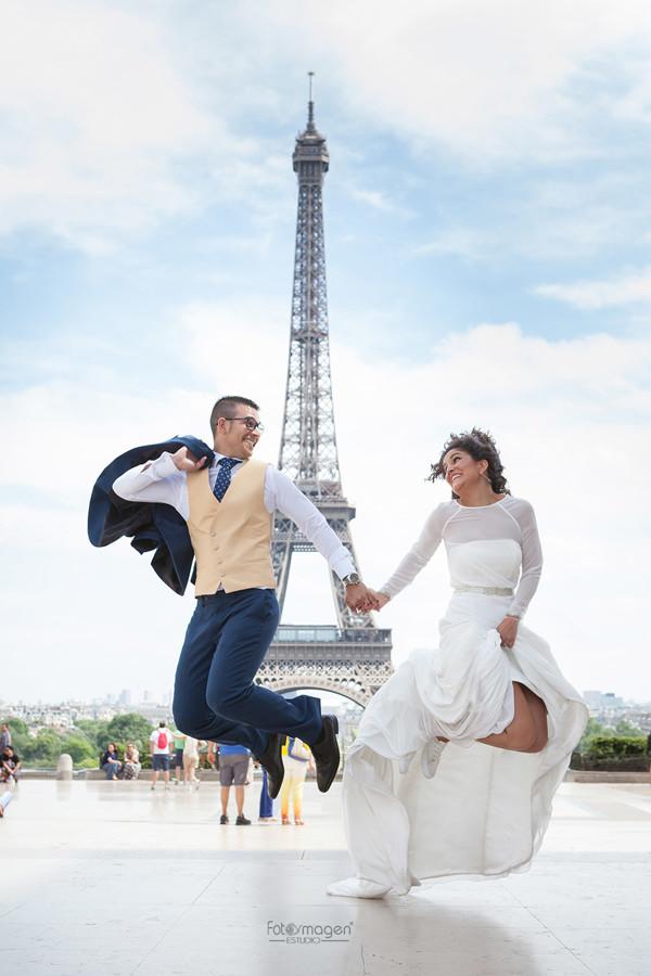 FOTOYMAGEN-Boda-Migue-y-Leni-Arahal-Arache-Los-Barreros-Paris-Torre-Eiffel-Fotos-Originales-y-Diferentes-(5)