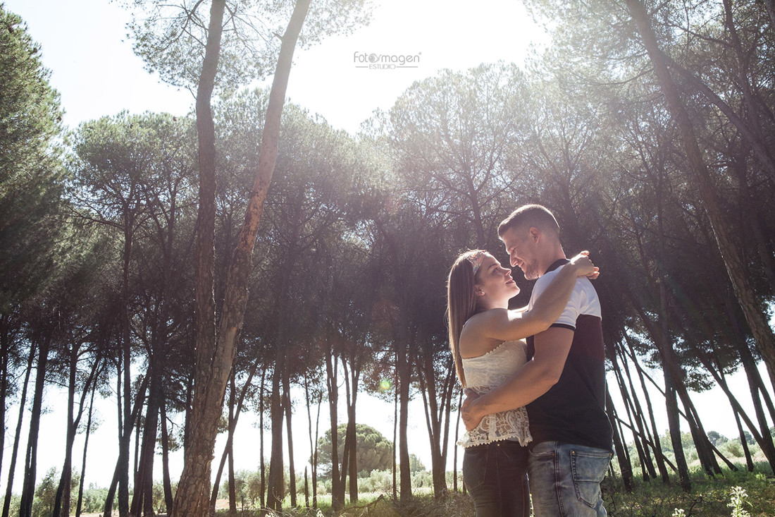 FOTOYMAGEN-PreBoda-Isabel-y-Jose-Eulalio-Boda-Marchena-Pinar-Campo-Fotos-Naturales-y-Frescas-(1)
