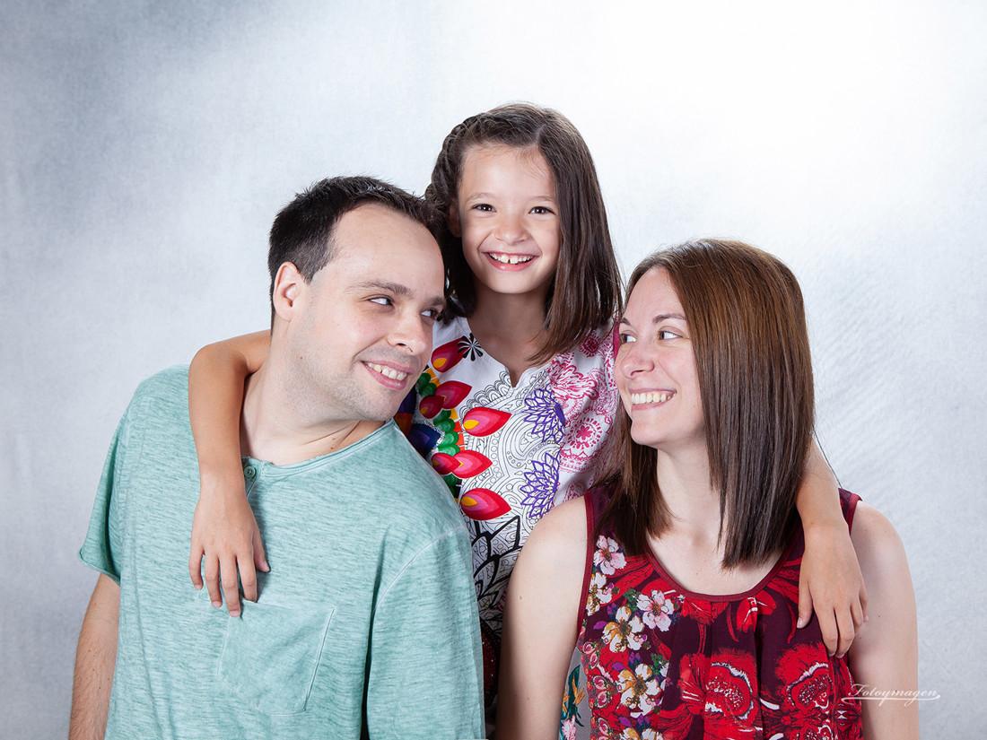 FOTOYMAGEN-Diego-y-Naira-Hermanas-Primos-Estuido-Retrato-Familia-Naturales-Fotos-en-familia-(2)