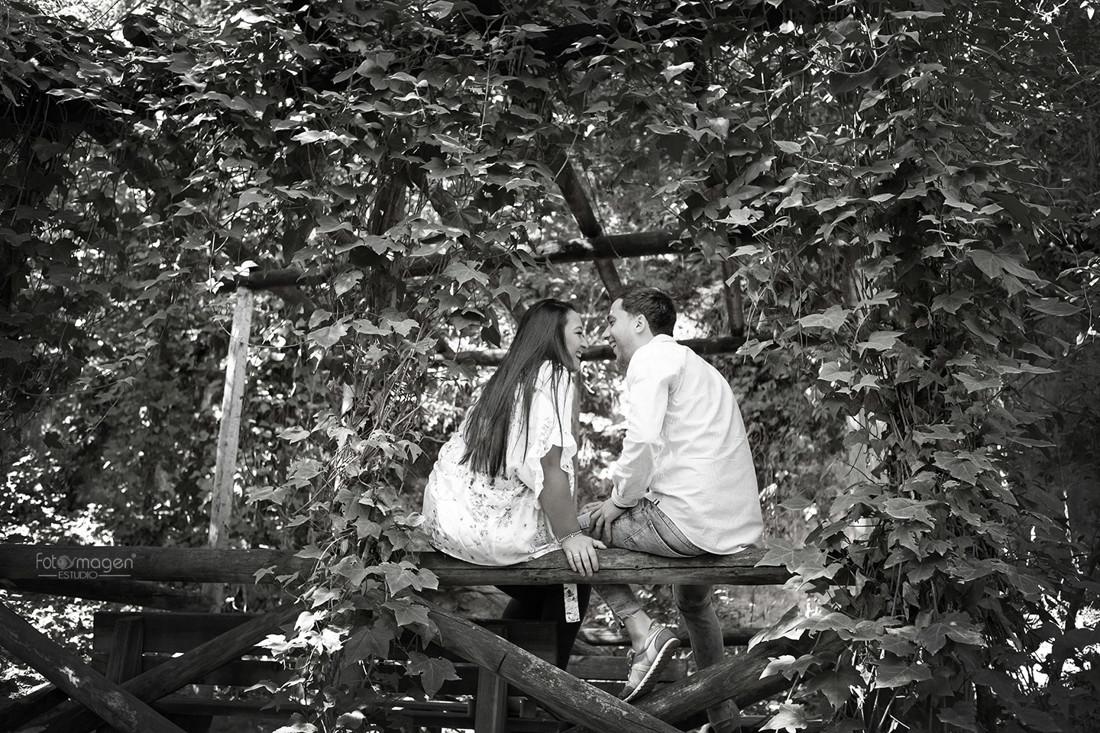 FOTOYMAGEN-Ana-y-Jorge-Preboda-Boda-Arahal-Parque-Oromana-Momentos-(2)